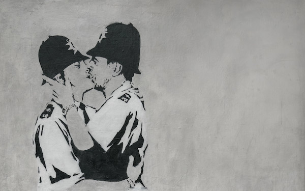 Banksy - Kissing Coppers