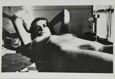 Helmut Newton Photography. Discover prices for Helmut Newton Photos